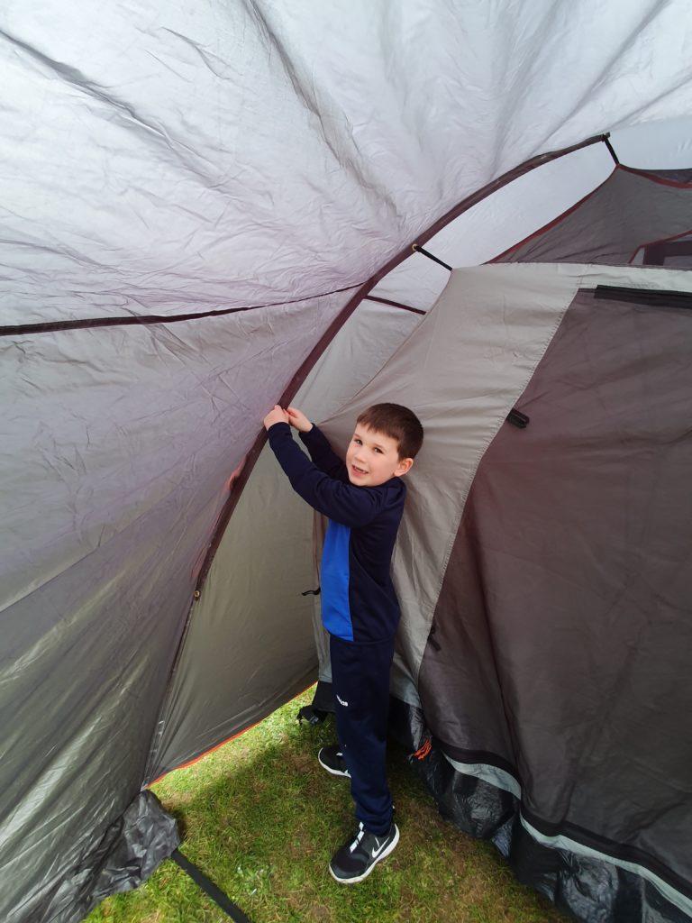 Jacob putting up his tent